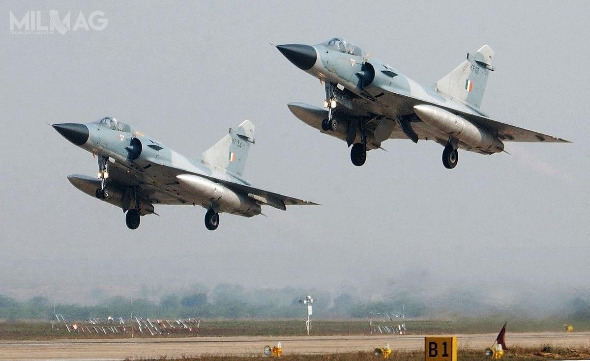 Dwanaście indyjskich myśliwców Mirage 2000H przeprowadziło nalot popakistańskiej stronie granicy, wspornym Kaszmirze wodpowiedzi nakrwawy zamach terrorystyczny z14 lutego / Zdjęcie: Bhartiya Vāyu Senā