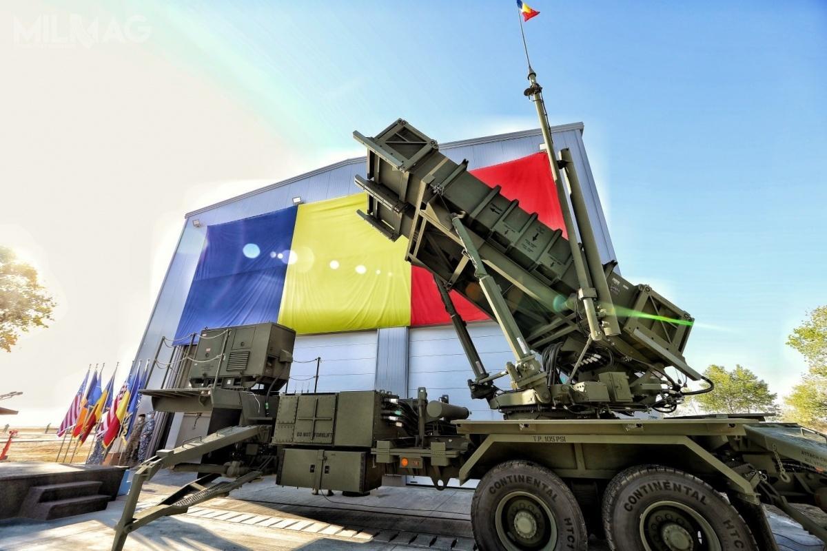 Na terenie Narodowego Centrum Szkolenia Obrony Powietrznej im.gen. bryg. Iona Bengescu wCapu Midia odbyła się ceremonia odbioru pierwszej baterii systemu obrony powietrznej średniego zasięgu Patriot / Zdjęcie: MO Rumunii
