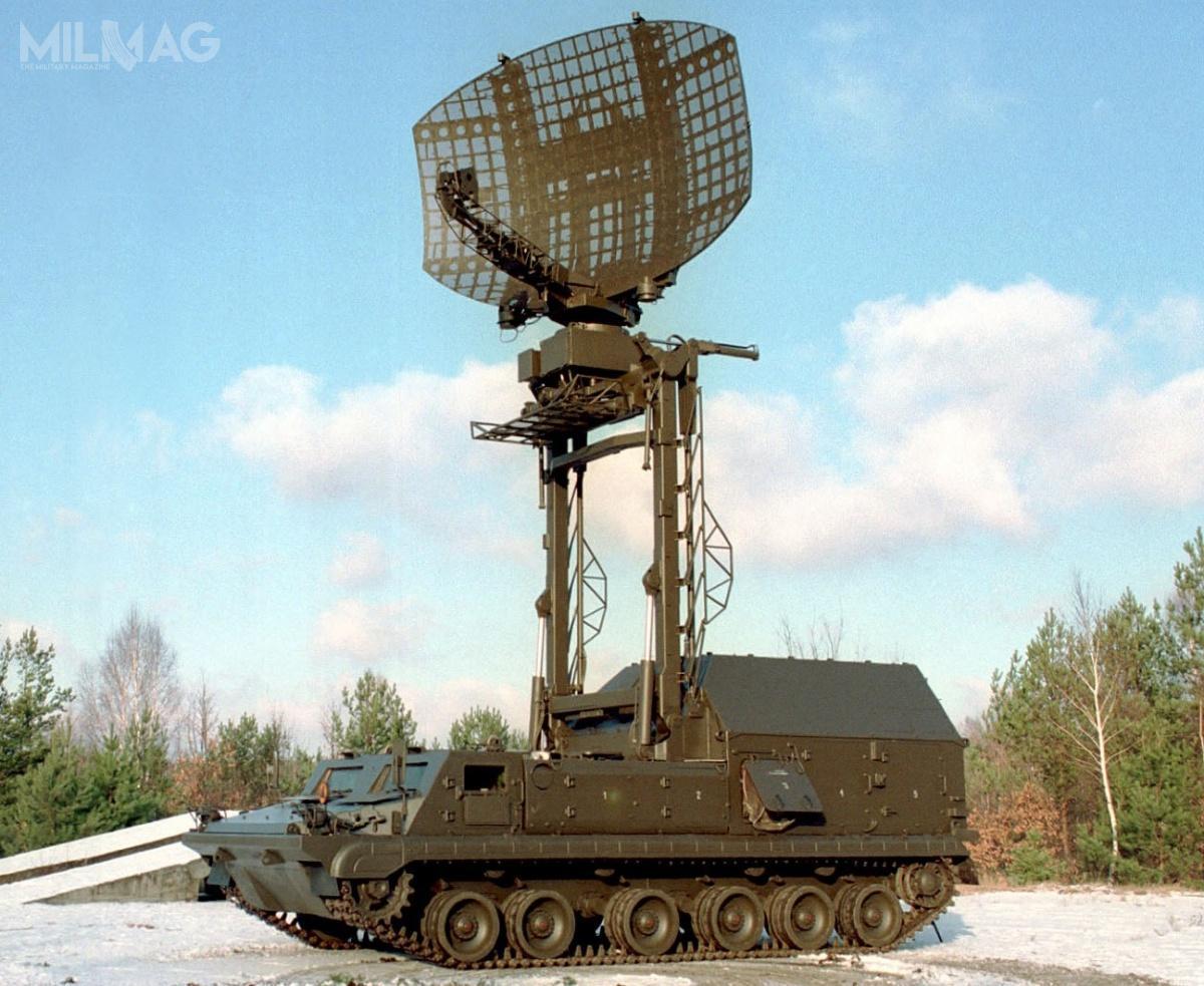 Stacje radiolokacyjne NUR-21 (RT-21 Daniela) są wykorzystywane wpododdziałach przeciwlotniczych jednostek zmechanizowanych ipancernych Wojsk Lądowych. Przeznaczone są dowykrywania, śledzenia, identyfikowania nisko lecących celów powietrznych. Aparatura nadawcza, odbiorcza, antena, agregat prądotwórczy iinne elementy pomocnicze zostały umieszczone najednym pojeździe. Wlatach 1984-1990 Wojsko Polskie otrzymało 33 stacje. W1988 jedną stację wyeksportowano doIndii, natomiast w1997 kolejną, tym razem stację NUR-21MI (zradarem NUR-22 Izabela nanośniku gąsienicowym) / Zdjęcie: PIT-Radwar