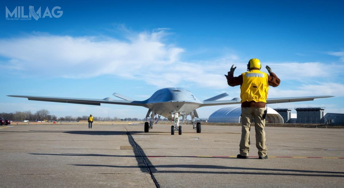 Kontrakt nacztery bezzałogowe tankowce todopiero początek. US Navy chce zamówić łącznie 72 statki powietrzne tego typu. /Zdjęcie: Boeing