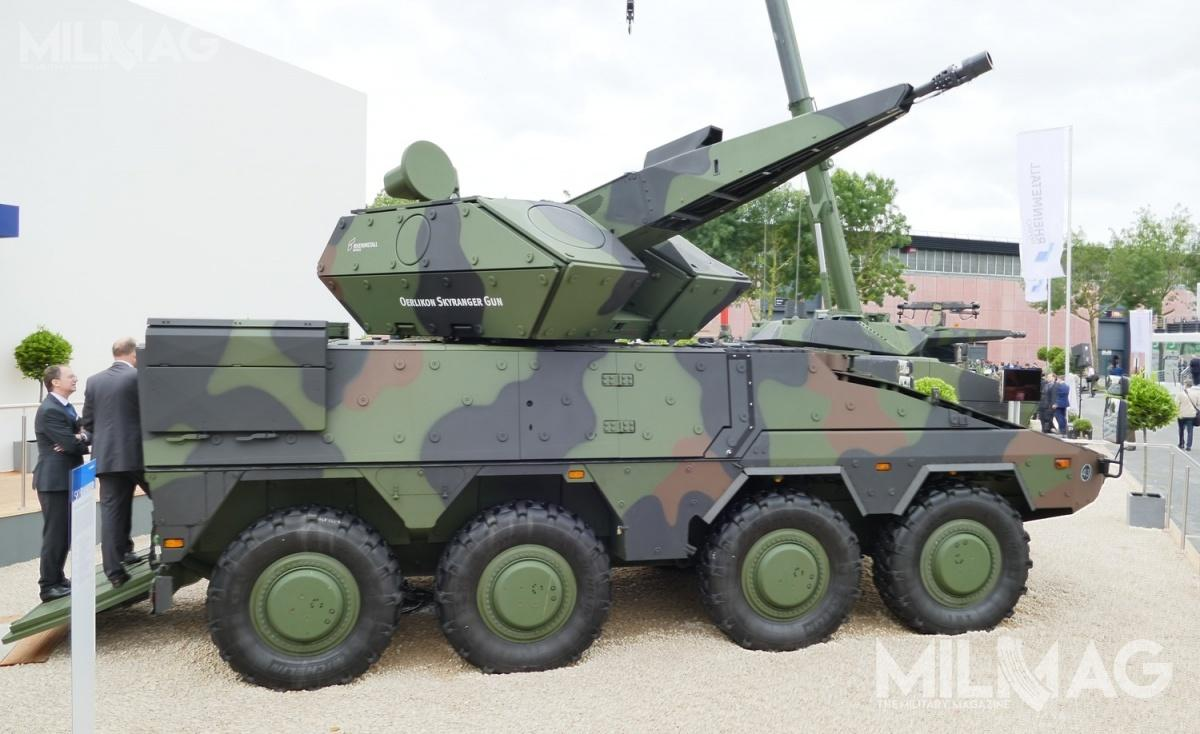 Elementem systemu GBAD, oferowanego przezRheinmetall iRaytheon, jest kołowy artyleryjski zestaw przeciwlotniczy Oerlikon Skyranger Boxer, którymiał swoją premierę podczas targów Eurosatory 2018. /Zdjęcie: Remigiusz Wilk