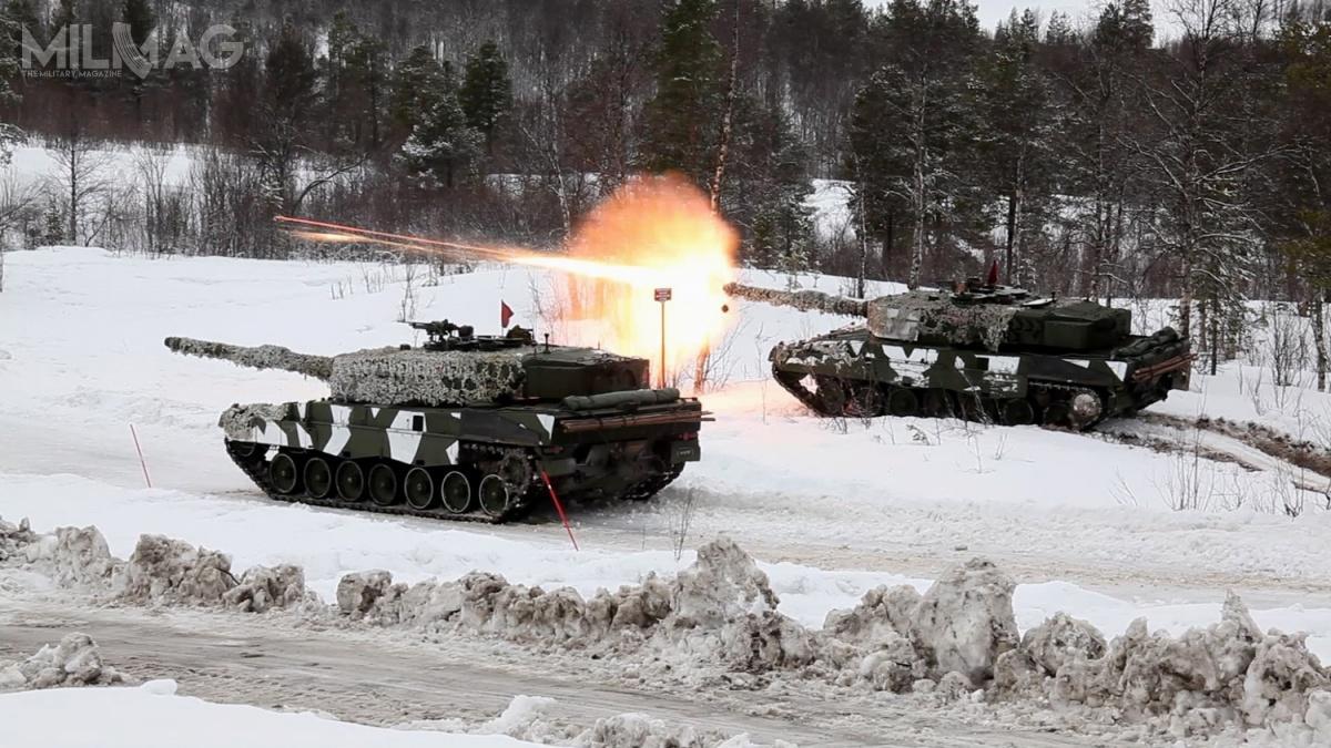 Norweskie Leopardy 2A4NO podczas międzynarodowych ćwiczeń Cold Response 14, wktórychbrały udział jednostki zUSA, Kanady, Francji, Holandii, Wielkiej Brytanii orazSzwecji. /Zdjęcie: Burt Traynor, USAF