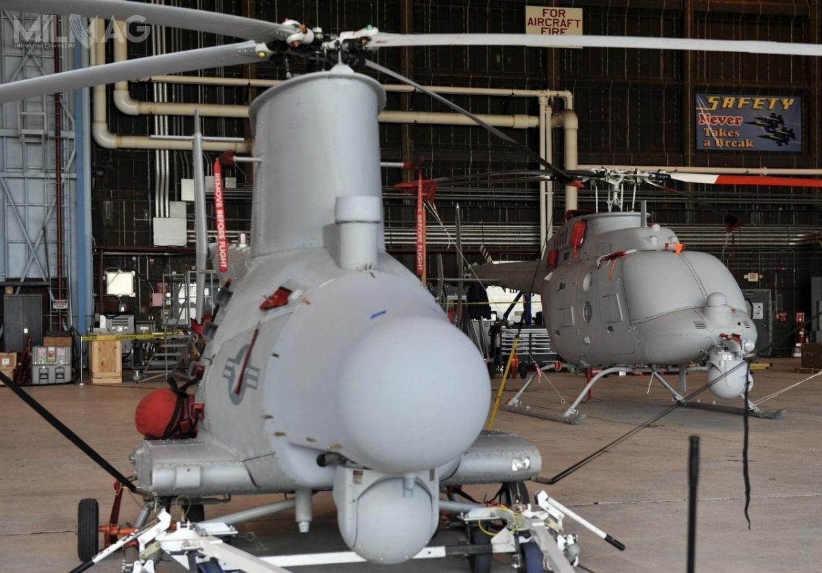 …a także bezzałogowych śmigłowców Northrop Grumman MQ-8B/C Fire Scout klasy VTUAV (Vertical Take-off and landing tactical Unmanned Air Vehicle), opartych ozmodyfikowane kadłuby załogowych Schweizer 333 (MQ-8B) iBell 407 (MQ-8C). / Zdjęcie: US Navy
