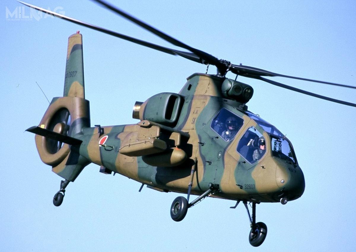 Dwuosobowy OH-1 Ninja ma 12 m długości, 3,8 m wysokości i4t masy startowej. Dwa silniki TS1-M-10 omocy 890 KM każdy zapewniają mu prędkość maksymalną 278 km/h, zasięg do720 km ipułap 4880 m. Śmigłowiec może przenieść pociski powietrze-powietrze typ 91, pociski irakiety powietrze-ziemia izasobniki zuzbrojeniem strzeleckim na4węzłach podskrzydłowych / Zdjęcie: Rikujō Jieitai