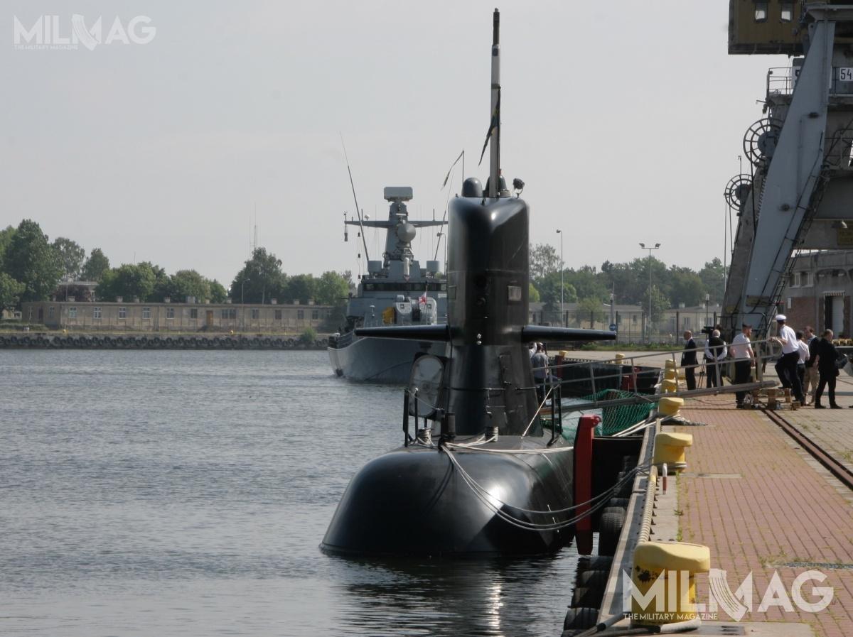 Najprawdopodobniej gra toczy się opozyskanie  jednostek  HSwMS Södermanland iÖstergötland, zmodernizowanego typu A17 Södermanland (ex-Västergötland) / Zdjęcie: Jakub Link-Lenczowski