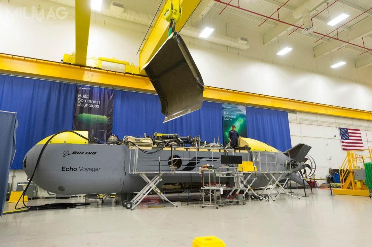 Echo Voyager ma 15,5 m długości imasę 50 t. Jest największym jak dotąd tego typu aparatem podwodnym opracowanym przezBoeinga obok 9,8-metrowego Echo Seeker i5,5-metrowego Echo Ranger / Zdjęcie: Boeing