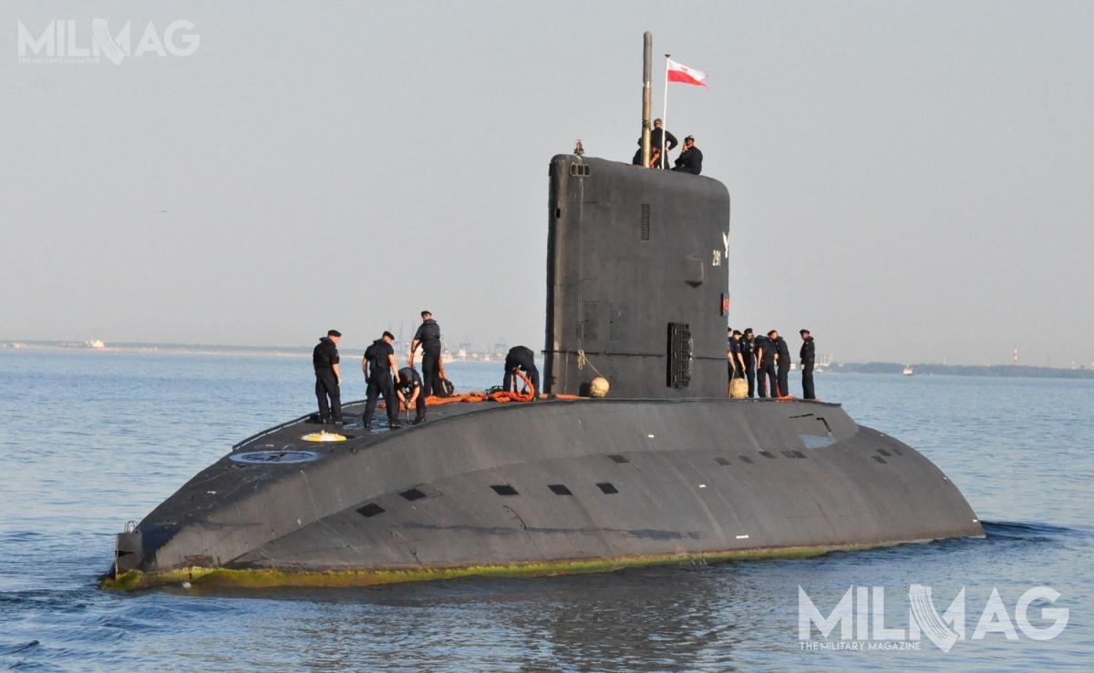 Obecnie Marynarka Wojenna RP dysponuje pojedynczym okrętem podwodnym ORP Orzeł (271) radzieckiego projektu 877 Paltus orazdwoma ex-norweskimi typu Kobben: ORP Sęp (295) iORP Bielik (296). Pozostałe dwie jednostki tego typu wycofano: ORP Kondor(297) 20 grudnia 2017, aORP Sokół (294) 8czerwca 2018. Ten ostatni zostanie przekształcony wokręt-muzeum dla Muzeum Marynarki Wojennej wGdyni / Zdjęcie: Michał Szafran