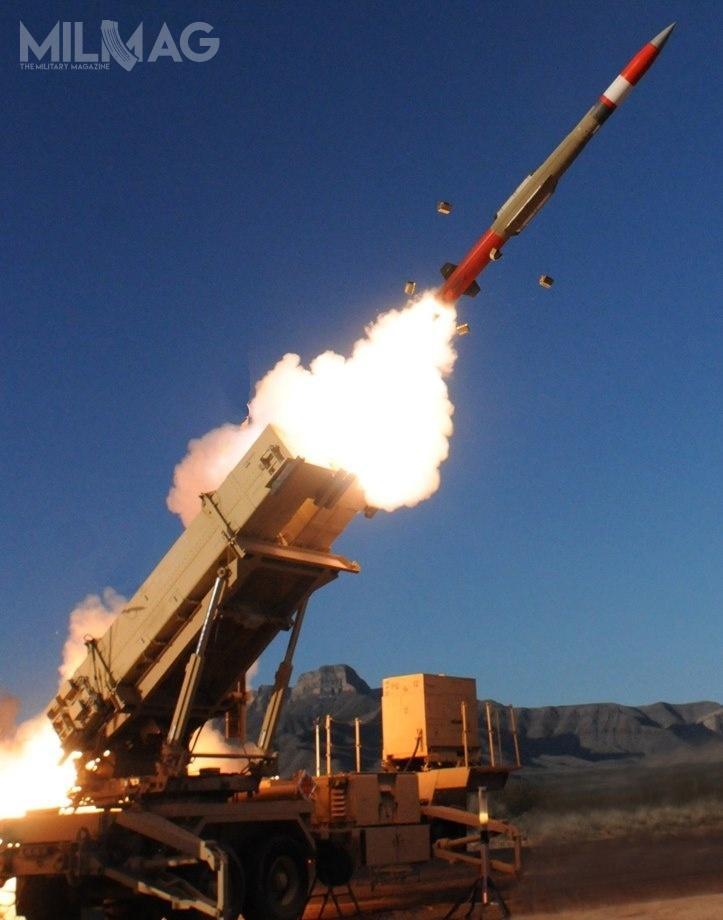 Po zawarciu umowy 28 marca 2018 wramach pierwszej fazy programu Wisłana dostawę dwóch baterii systemu MIM-104F Patriot, Polska stała się piątym naświecie idrugim wEuropie przyszłym użytkownikiem rakietowych pocisków przechwytujących PAC-3 MSE / Zdjęcia: US Army