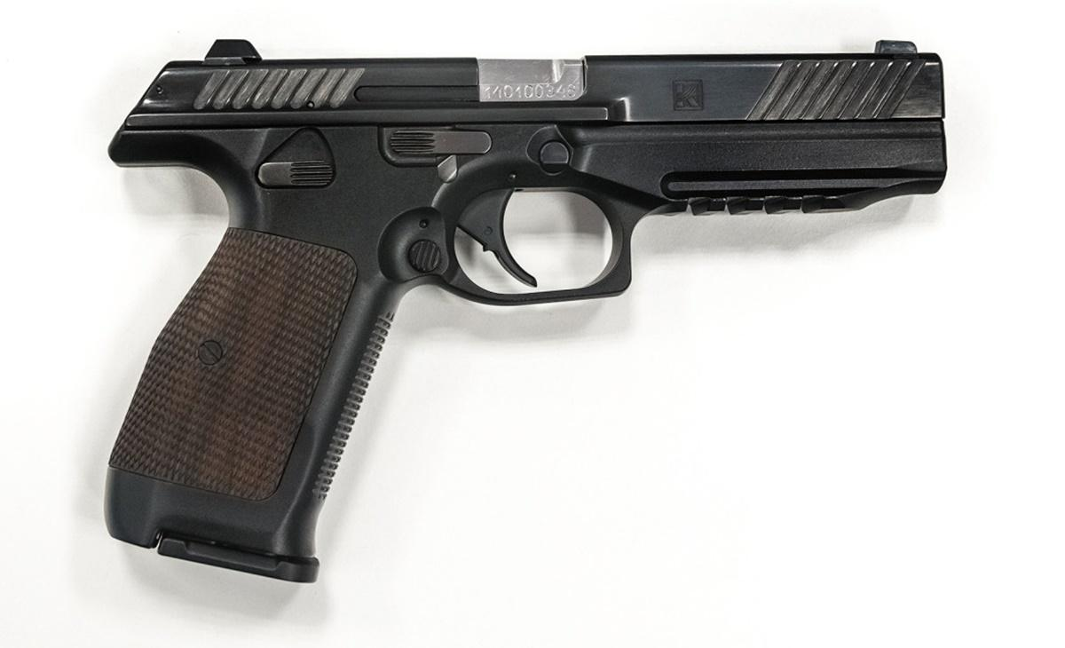 Długość pistoletu PL-15 to205 mm, długość lufy wynosi 112 mm. Masa broni 800 g. Pistolet zasilany jest z16-nabojowych magazynków / Zdjęcia: Aazbeszt, Koncern Kałasznikow