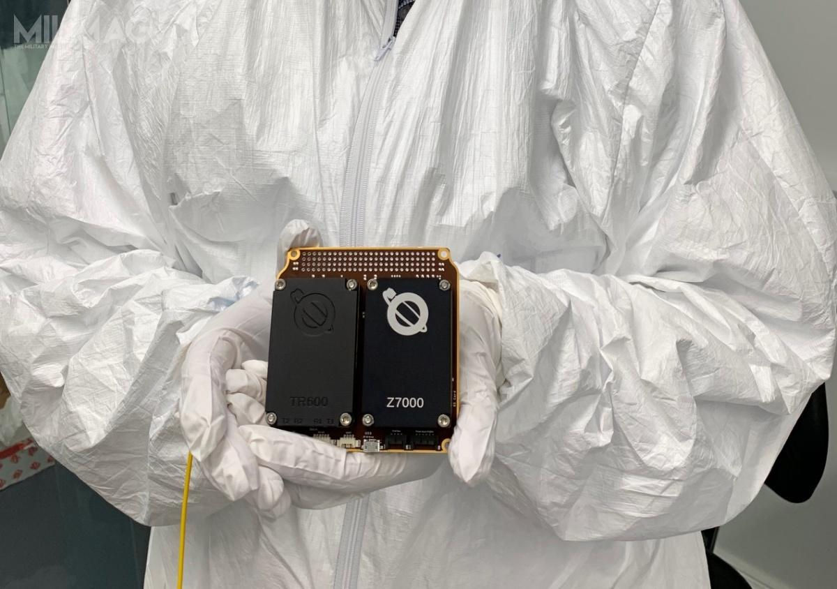 Radiostacja programowalna Prometheus 1pozwoli nawykrywanie sygnałów radarowego namierzania zZiemi satelity-nosiciela, co wprzyszłości może mieć zastosowanie wojskowe wprzypadku gdysatelity znajdujące się naorbicie mogą być celem broni antysatelitarnej / Zdjęcie: Airbus Defence and Space