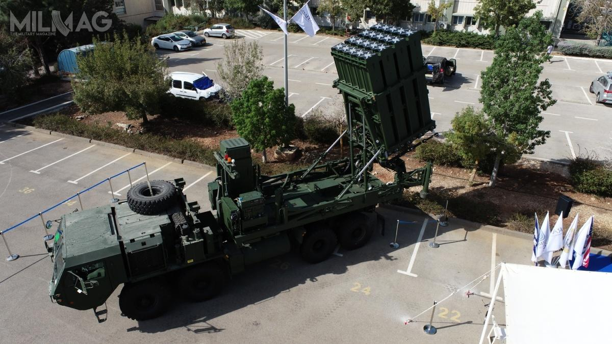 W ostatnim czasie zakończono dostawę pierwszej zdwóch zamówionych przezamerykańskie wojska lądowe baterii systemu przeciwrakietowego krótkiego zasięgu Iron Dome. Zostały one zintegrowane zczteroosiowymi ciężkimi podwoziami specjalnymi HEMTT (Heavy Expanded Mobility Tactical Truck)