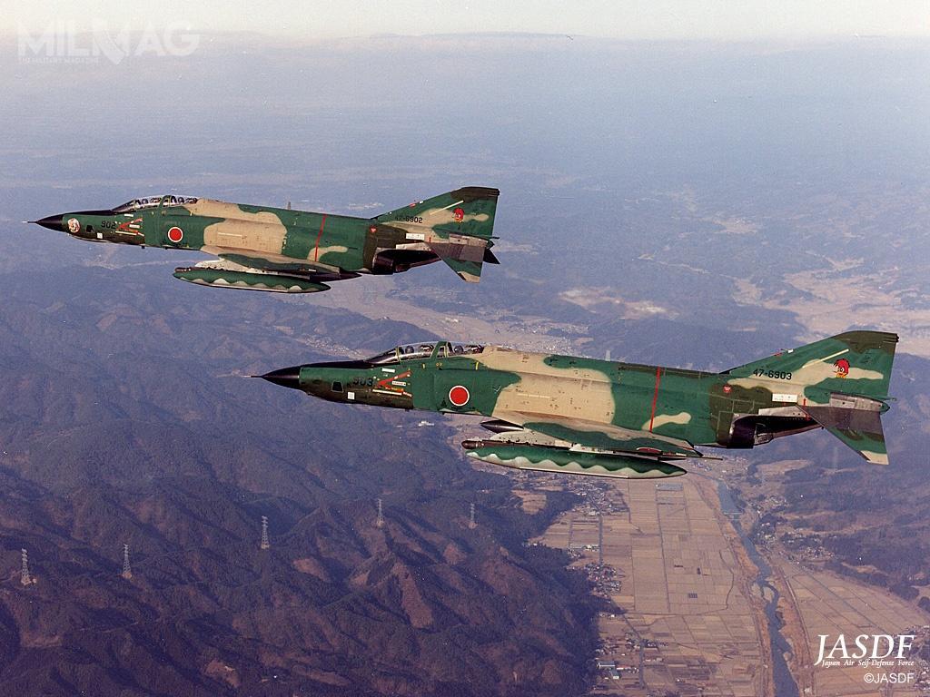 Trzynaście RF-4E/EJ Kai z501. Eskadry Rozpoznania Taktycznego zostaną wycofane, azwiązek taktyczny rozformowany domarca 2020. Zadania rozpoznawcze przejmą samoloty 5. generacji F-35 Lightning II.