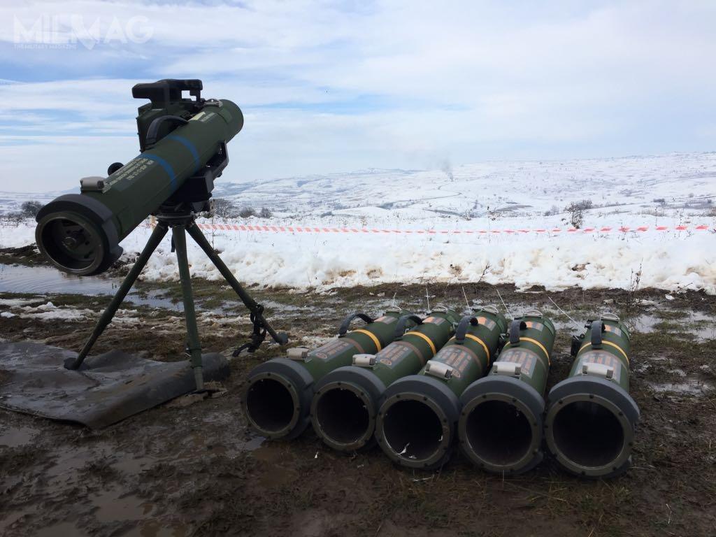 Produkowane przezRafaela pociski Spike LR testowane były przezSiły Zbrojne Rumunii wramach programu pozyskiwania przenośnych kierowanych pocisków przeciwpancernych. WRumunii pociski rodziny Spike wykorzystywane są jako uzbrojenie pokładowe wozów BMP-1 iśmigłowców Puma.