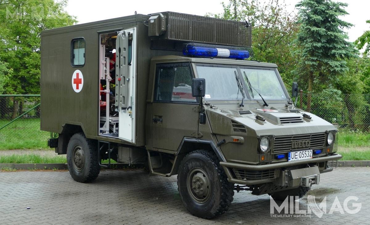 Spółka Demarko dostarczy następców sanitarnych Iveco 40E12WM 4x4,  SCAM SM T-50 4x4 inabywanych od2008 Iveco 40E13WM 4x4 / Zdjęcie: Remigiusz Wilk