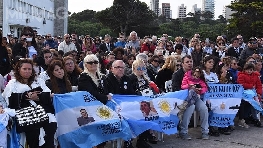 15 listopada wBuenos Aires odbyła się uroczystość upamiętniająca 44-osobową załogę okrętu podwodnego. Przewodzili jej prezydent Mauricio Macri iminister obrony Oscar Aguada / Zdjęcie: Ministerstwo Obrony Argentyny
