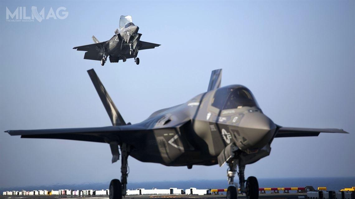 W obliczu pandemii COVID-19, kilka programów modernizacyjnych zostało opóźnionych. Podtrzymano jednak kalendarz zakupu samolotów wielozadaniowych Lockheed Martin F-35B Lightning II / Zdjęcie: USMC
