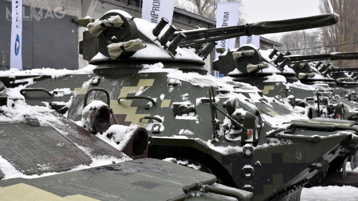 Wśród przekazanego wyposażenia są także kołowe transportery ipojazdy opancerzone BTR-3DA, Varta 4x4 iVarta-Novator 4x4 / Zdjęcia: UkrOboronProm