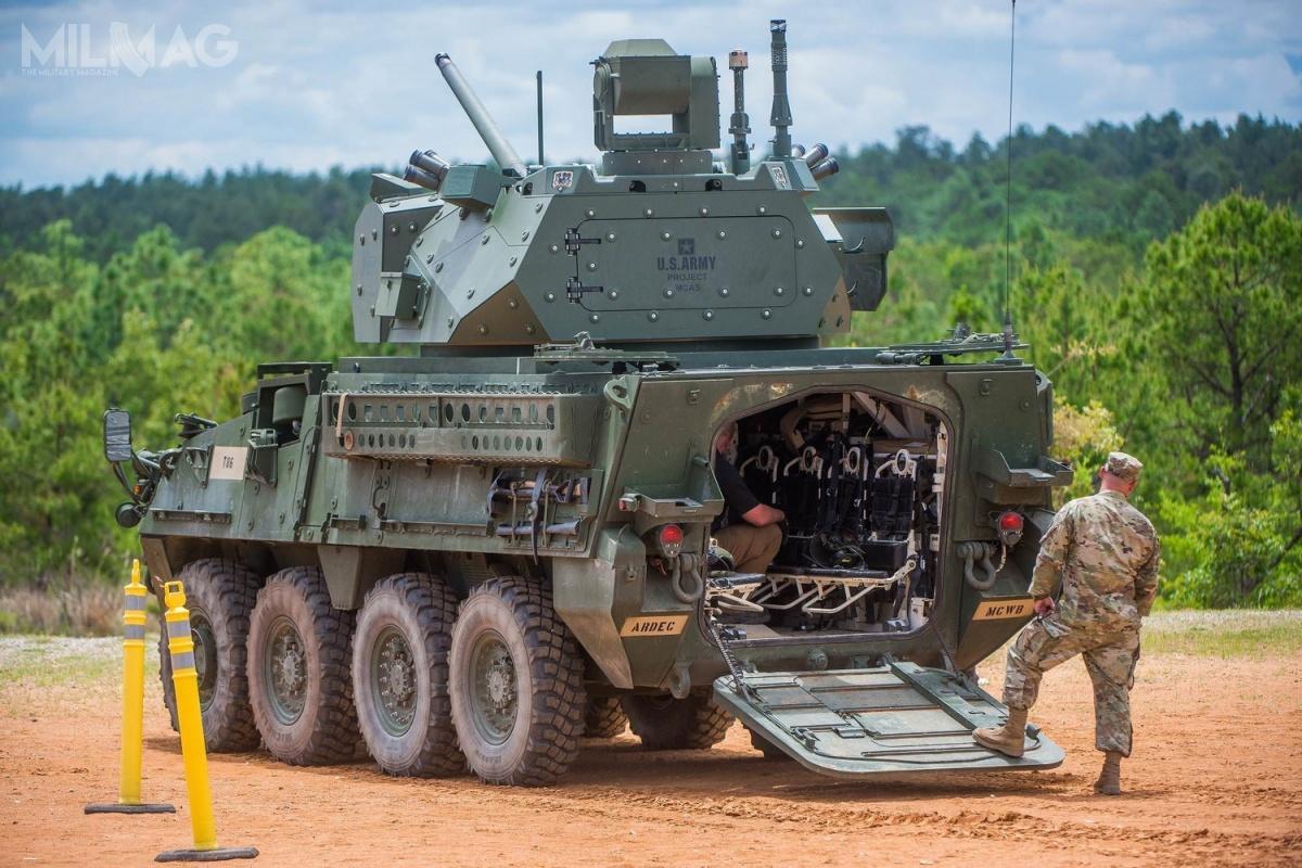 Pomimo zastosowania załogowej wieży, pojazd ma możliwość transportu doośmiu żołnierzy desantu. / Zdjęcia: US Army