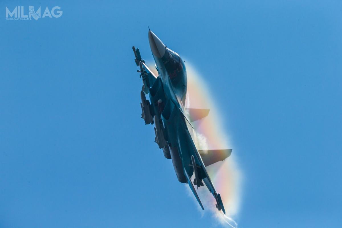 Su-34 jest wielozadaniowym bombowcem taktycznym, produkowanym seryjnie od2008. /Zdjęcia: Zjednoczona Korporacja Lotnicza (OAK)