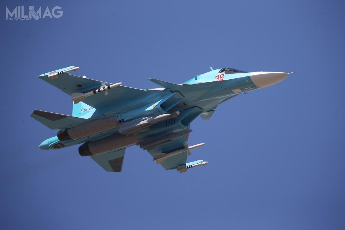 Siły Powietrzno-Kosmiczne (WKS) Rosji mają mieć nawyposażeniu docelowo prawie 140 bombowców Su-34. Dosformowania dziewięciu eskadr brakuje jeszcze około 16 znich, według stanu zpaździernika 2018 / Zdjęcie: Zjednoczona Korporacja Lotnicza (OAK)