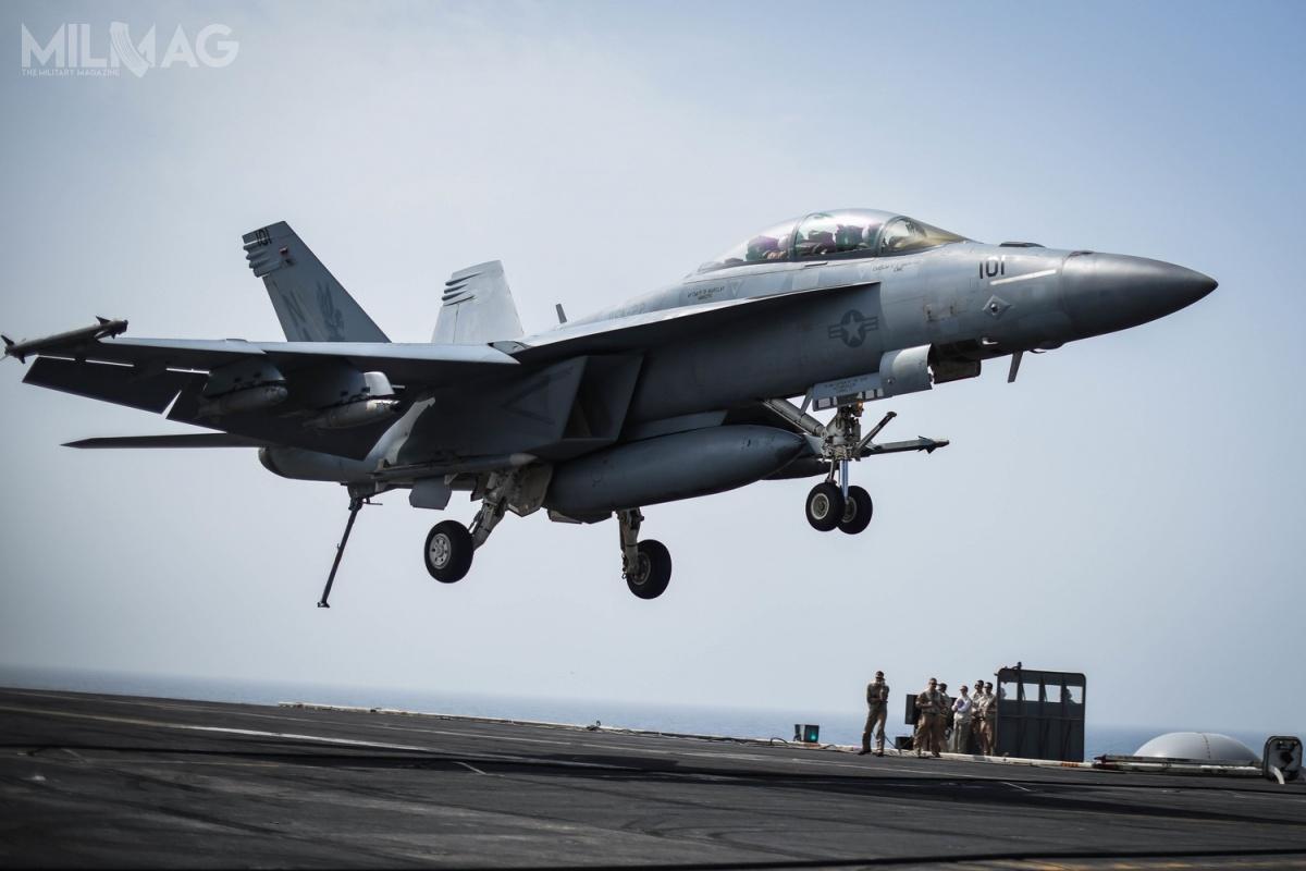 Boeing poraz pierwszy publicznie zaoferował Super Hornety, jako samoloty pokładowe dla indyjskich lotniskowców podkoniec sierpnia 2017. Teraz zapowiedziano przeprowadzenie prób startu zwykorzystaniem rampy / Zdjęcie: US Navy