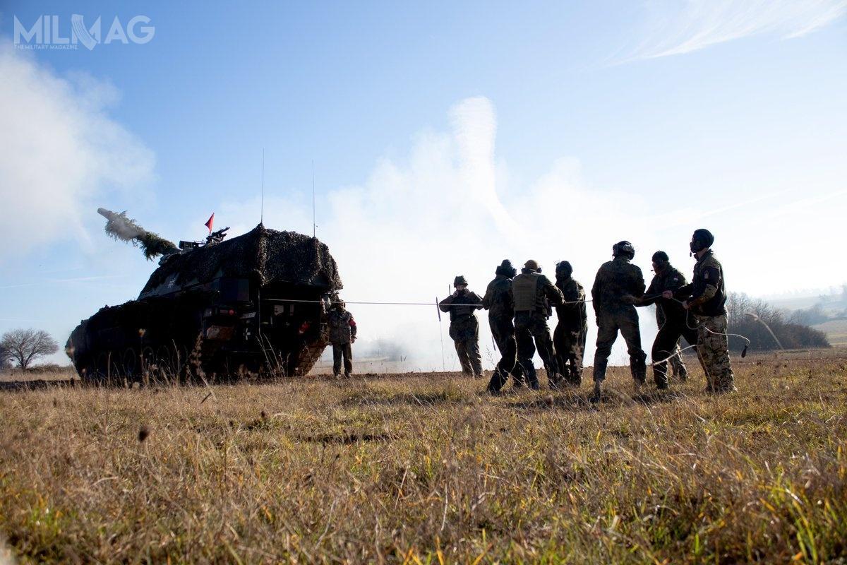 Bundeswehra rozpoczęła szkolenia węgierskich artylerzystów wzakresie obsługi 155-mm samobieżnych armatohaubic PzH 2000
