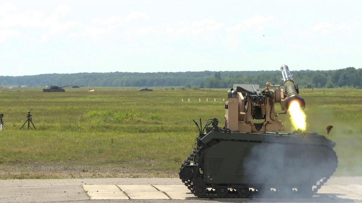 Próby ogniowe pojazdu Titan zppk Javelin zostały przeprowadzone wczerwcu 2019 napoligonie US Army wRedstone Arsenal wAlabamie. Podczas prób zademonstrowano współdziałanie zarmatą automatyczną Northrup Grumman M230LF nanabój 30 mm x 113 / Zdjęcie: Kongsberg