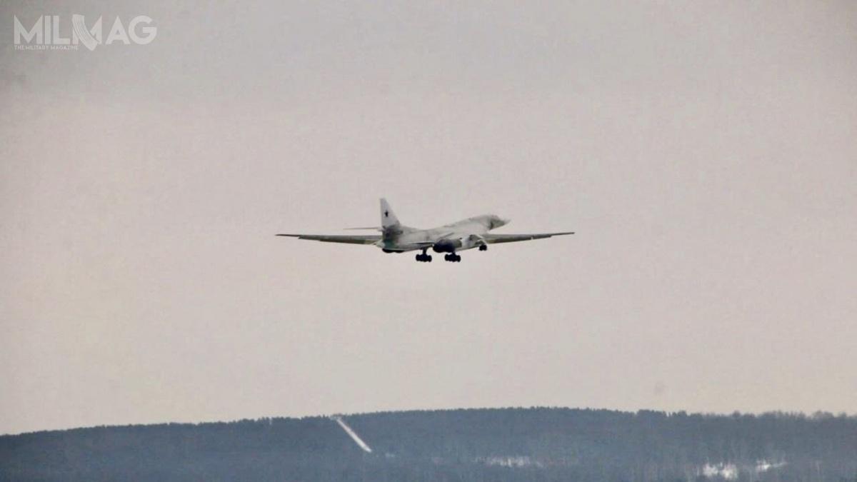 Nie jest jasne, czyzostanie wznowiona produkcja seryjna tych samolotów, zapowiada pięć lat temu przezresort obrony. Wszystkie z16 bombowców Tu-160/M1 są przypisane do121. Gwardyjskiego Sewastopolskiego Pułku Bombowców Ciężkich istacjonują w6950. Bazie Lotniczej wEngels wobwodzie saratowskim / Zdjęcia: OAK