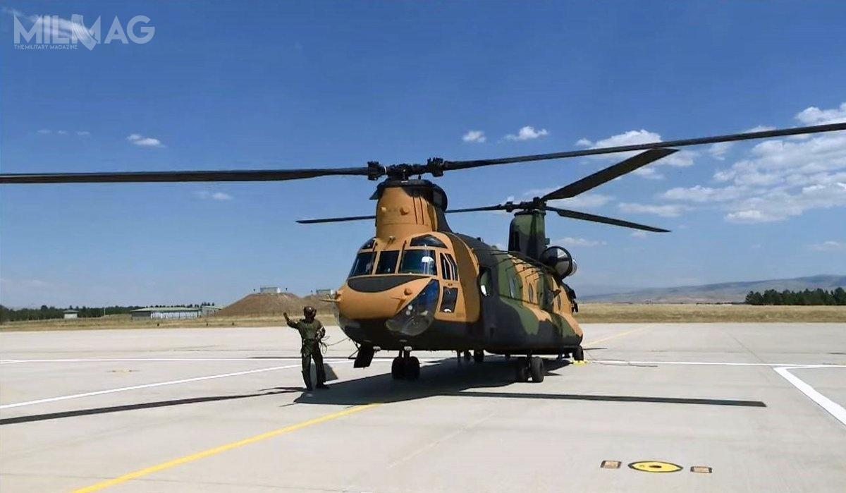 Wyładunek ostatnich tureckich ciężkich śmigłowców Boeing CH-47F Chinook (Block I) nastąpił wporcie Izmir nadMorzem Egejskim / Zdjęcie: SSB