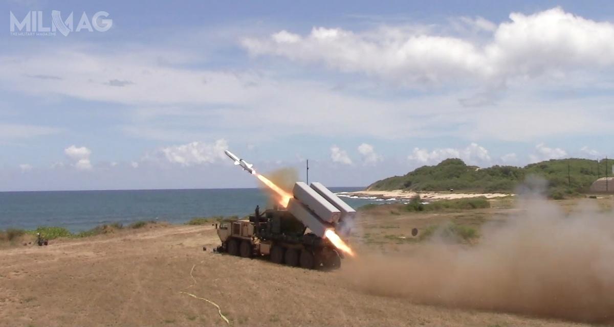 12 lipca 2016 podczas ćwiczeń RIMPAC wrejonie Pacyfiku, US Army przeprowadziła test mobilnej wyrzutni zintegrowanej zpociskiem manewrującym NSM. Wyrzutnia jest naciężkim podwoziu zrodziny Oshkosh HEMTT /Zdjęcie: US Army