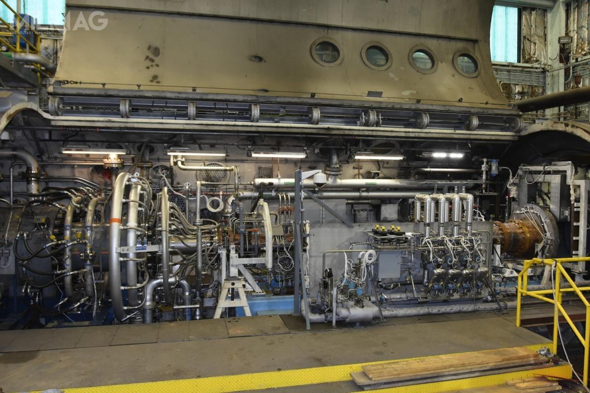Warto zauważyć, żeciąg 10 tys. funtów niejest dużą wartością, wporównaniu zparametrami np.silnika turbowentylatorowego General Electric F110-GE-129 napędzającego F-16C/D Block 50. Wtym przypadku wartość wynosi prawie 30 tys. funtów. Jednak silniki strumieniowe muszą działać nadużych wysokościach, gdzie gęstość powietrza jest bardzo mała awprzypadku zastosowania silnika strumieniowego dla samolotu  operującego wgęstszych warstwach atmosfery, jego osiągi byłyby znacznie lepsze / Zdjęcie: USAF