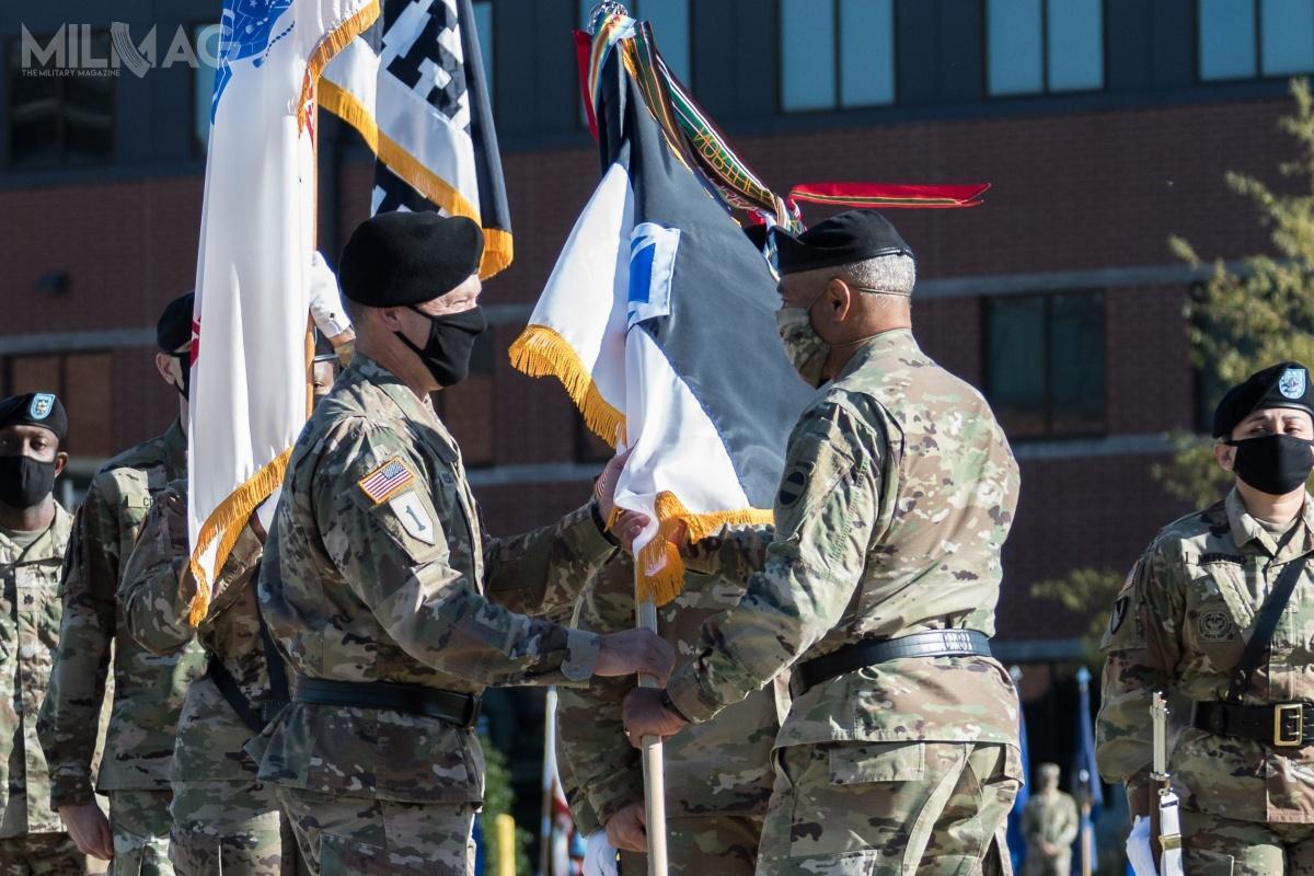 V Korpus został rozwiązany wcześniej wniemieckim Wiesbaden 12 czerwca 2013, ajego ostatnim dowódcą był mjr William Johnson. Teraz, posiedmiu latach, został reaktywowany wFort Knox, awPoznaniu ma zostać utworzony wysunięty element dowództwa. Pierwszym poważnym sprawdzianem będą ćwiczenia Defender-Europe 21, planowane naBałkanach iwrejonie Morza Czarnego / Zdjęcie: US Army