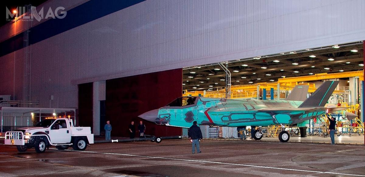 Do dziś 490 F-35 wykonało łącznie ponad 240 tys. godzin nalotu. Wsamych tylkoUSA, program F-35 JSF wymaga 1400 poddostawców w47 stanach iPuerto Rico, tworząc ponad 220 tys. miejsc pracy / Zdjęcie: Lockheed Martin
