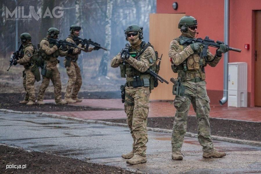Pod koniec roku, Komenda Główna Policji rozpoczęła lub sfinalizowała wiele postępowań przetargowych wzakresie dostaw wyposażenia dla swoich funkcjonariuszy / Zdjęcie: Polska Policja