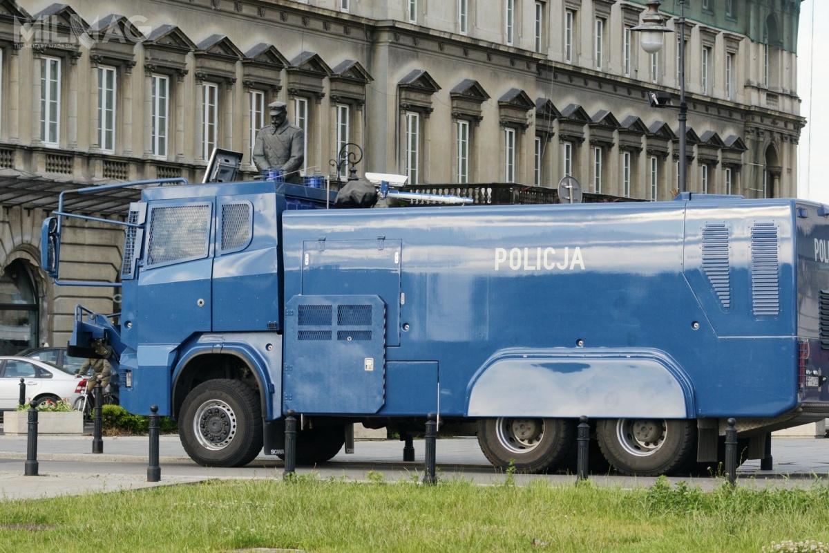 Komenda Główna Policji opublikowała Plan postępowań oudzielenie zamówień w2019. Znalazły się naniej pistolety, paralizatory, hełmy iarmatki wodne / Zdjęcie: Czernobog/wikipedia
