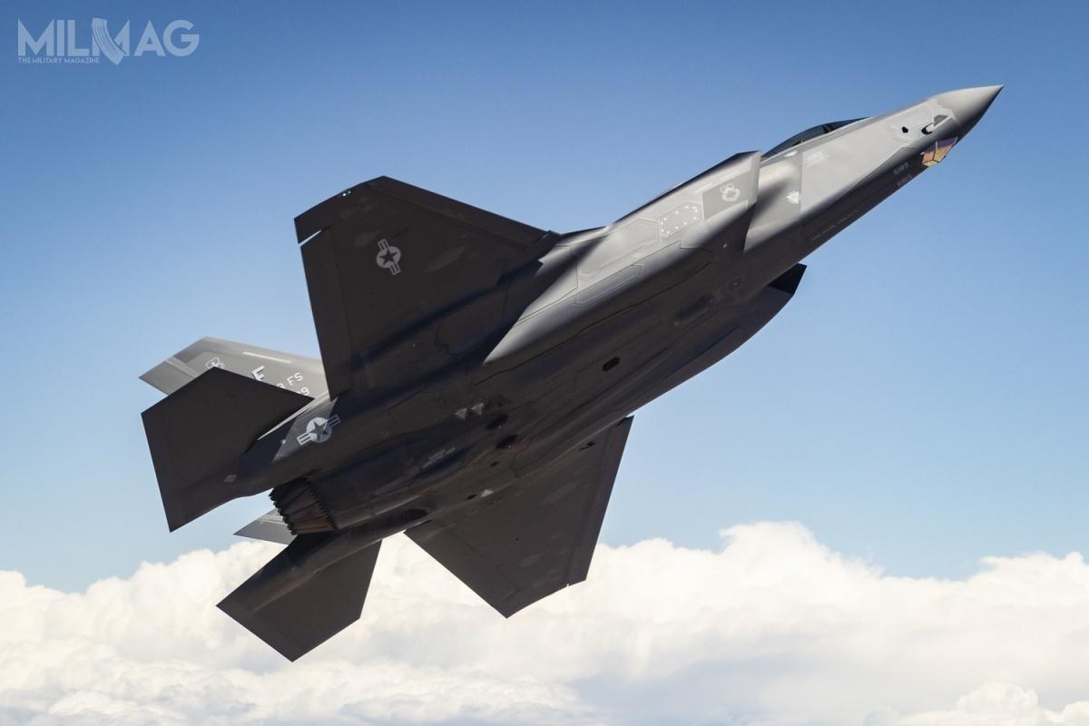Jak poinformowały media amerykańskie, administracja prezydenta Joe Bidena tymczasowo wstrzymała dostawy uzbrojenia doZjednoczonych Emiratów Arabskich iArabii Saudyjskiej – wtym 50 samolotów wielozadaniowych F-35A Lightning II dopierwszego państwa / Zdjęcie: USAF