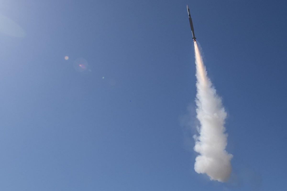 Europejskie konsorcjum MBDA poinformowało, żenieujawniony klient zamówił nowy, morski system obrony powietrznej Albatros NG, oparty napocisku przechwytującym CAMM-ER / Zdjęcie: MBDA