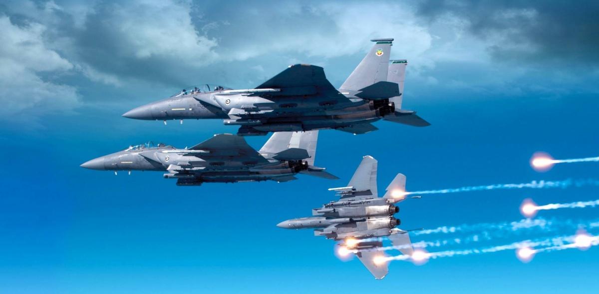 Spółka BAE Systems otrzymała środki odDepartament Obrony USA nauruchomienie produkcji małoseryjnej nowego, cyfrowego systemu walki radioelektronicznej EPAWSS dla samolotów wielozadaniowych F-15E/EX / Zdjęcie: BAE Systems