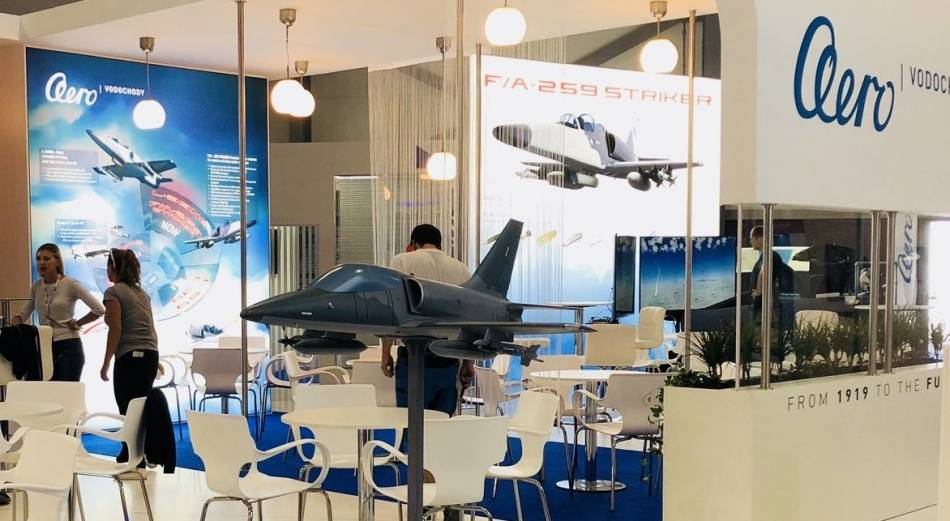 شركة Aero Vodochody التشيكيه وشركة IAI الاسرائيليه ستطوران نسخه خاصه من L-159 لصالح الولايات المتحده  Striker_2