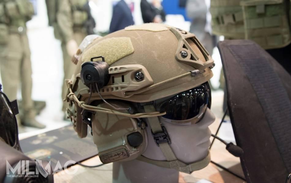 HP-05 zmodyfikowany po próbach w Wojskach Obrony Terytorialnej. Taka konstrukcja ma zostać kupowana dla żołnierzy lekkiej piechoty w 2019. Wojska zmechanizowane chcą jednak kupić nowoczesną osłonę głowy o większej powierzchni ochronnej lepiej zabezpieczającą przed odłamkami dlatego do nich trafi inny model / Zdjęcie: Jarosław Lis